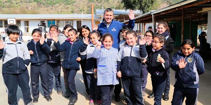 Intendente enviará al Core proyecto de reposición de Escuela Básica de Portezuelo de Pichidegua