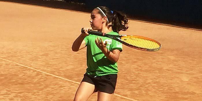 Unidos para ir en ayuda de promisoria tenista rancagüina