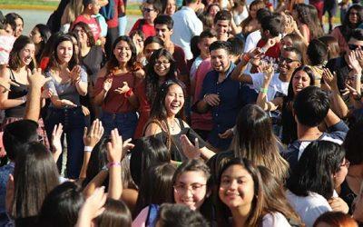 UOH da la bienvenida a su tercera generación de estudiantes con fiesta masiva