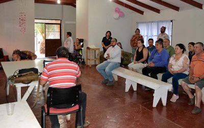 Vecinos del barrio Bellavista-Los Lingues de San Fernando conocen proyecto que mejorará sus veredas