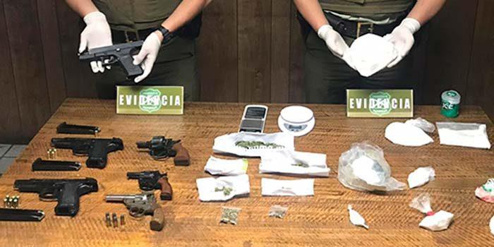 Carabineros incauta armas de fuego y drogas en Peumo