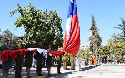 Con el izamiento de la gran bandera, Carabineros inicia su mes aniversario
