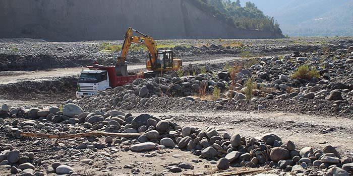Denuncian empresa por extracción de áridos irregular en Requínoa