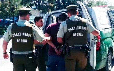 Dos violentos sujetos fueron detenidos por carabineros