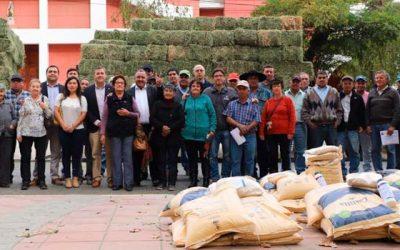 Entregan más de 17 millones en insumos agrícolas a 150 campesinos de Graneros