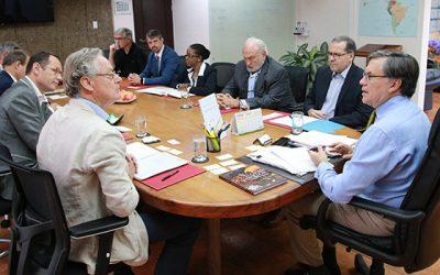 IICA y cooperación agrícola francesa renovarán alianza para impulsar el agro en las Américas
