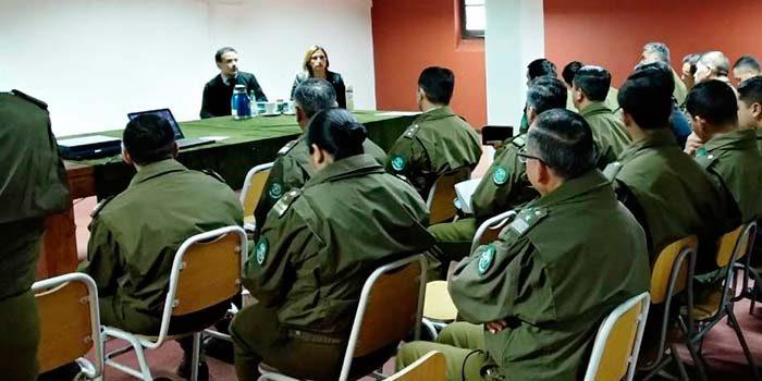 Juez de Rengo dicta charla y se reúne con carabineros y fiscalía local