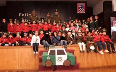 alumnos-del-colegio-la-republica-conmemoraron-a-carabineros-en-rancagua