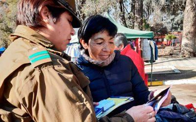 Carabineros de Graneros invita a transeúntes a tomar medidas preventivas para evitar delitos