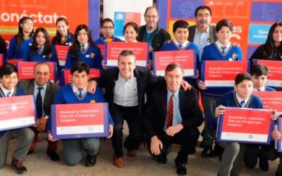 Estudiantes de Olivar reciben su computador que mejorará su aprendizaje