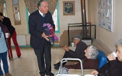 Funcionarios del MOP O´Higgins realizan acción social con abuelitos de Hogar San Lorenzo de Rancagua