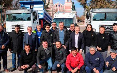 Gobierno regional hizo entrega de 6 nuevos vehículos a municipios de la región