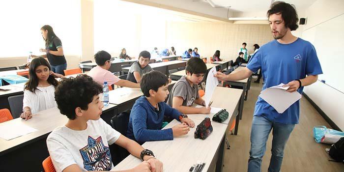 Más de 500 estudiantes de la región participan en Campeonato Escolar de Matemática en la UOH