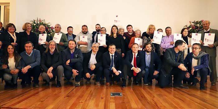 entregan títulos de dominio a más de 180 familias de Cachapoal y Colchagua