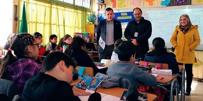 Plan escuelas arriba intendente y seremi de educación supervisaron avances en colegio El Cobre de Rancagua