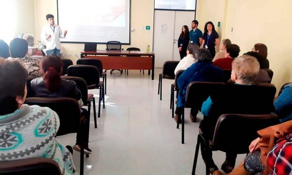 Capacitan a 30 cuidadores de usuarios con dependencia severa en Hospital de Chimbarongo