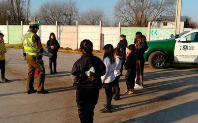 Carabineros de San Vicente previenen accidentes en los desplazamientos