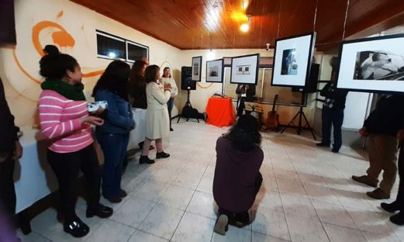 """Exitosa inauguración de exposición fotográfica """"Descubrimiento"""" en Marchigüe"""