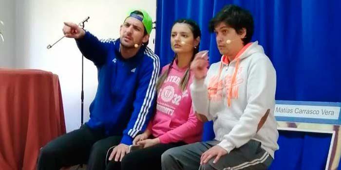 Seremi de Salud busca prevenir consumo de alcohol y drogas en escolares a través del teatro