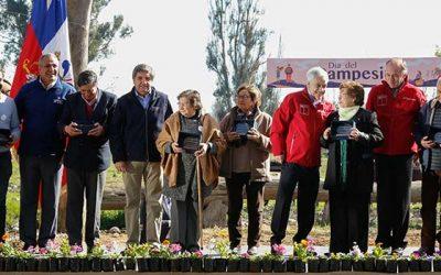 Tres dirigentes agrícolas de la región fueron premiados en Día del Campesino