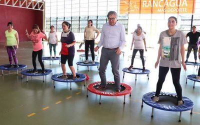 Alcalde de Rancagua entrega nueva implementación a taller de aero jump
