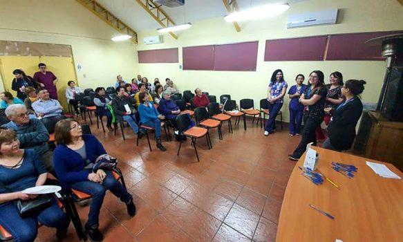 """""""Cineterapia"""" para adultos mayores tuvo nota 7 en Hospital de Chimbarongo"""