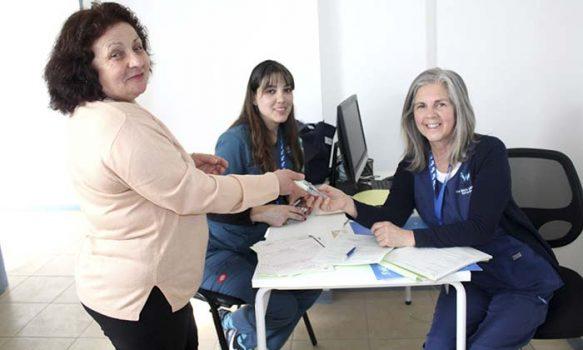 Salud Machalí ha beneficiado más de 70 Adultos Mayores con lentes de presbicia