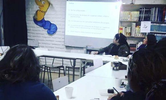 Senda Pichilemu realiza taller de parentalidad en colegio Los Libertadores