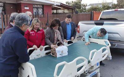 Seremi de Gobierno entrega Cama Clínica a adulto mayor de Rancagua