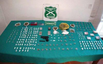 Tres sujetos fueron detenidos por vender drogas a estudiantes en población Costa del Sol
