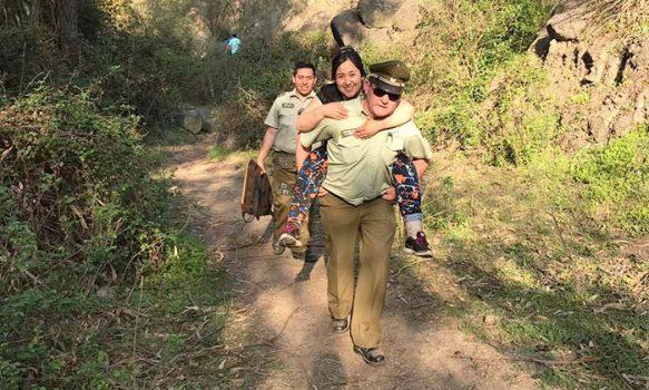 Carabineros socorrió a mujer accidentada en el cerro San Juan