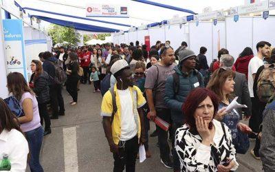 Cerca de tres mil personas asistieron a feria laboral