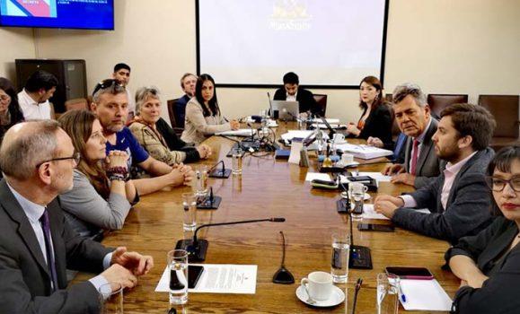 Comisión de Familia citará a alcalde Eduardo Soto por negligencia en caso de abuso en Colegio Manso de Velasco