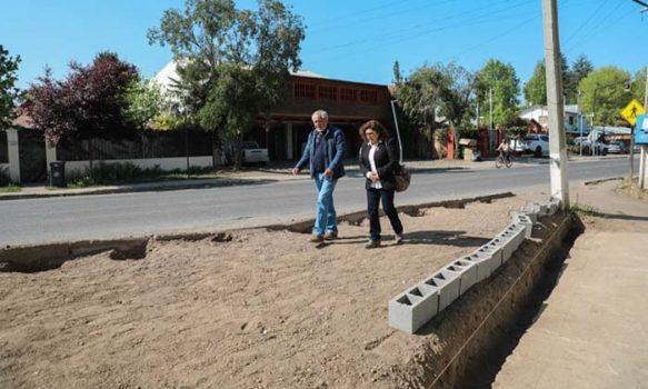 Municipio de Graneros construye nueva área verde para La Compañía