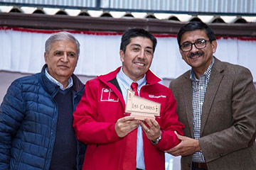 """Programa """"Con buena energía"""" entrega ampolletas LED a 200 familias de la localidad El Durazno"""