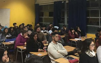 Senda previene Pichilemu y PDI realizan charla a estudiantes del Liceo Agustín Ross Edwards