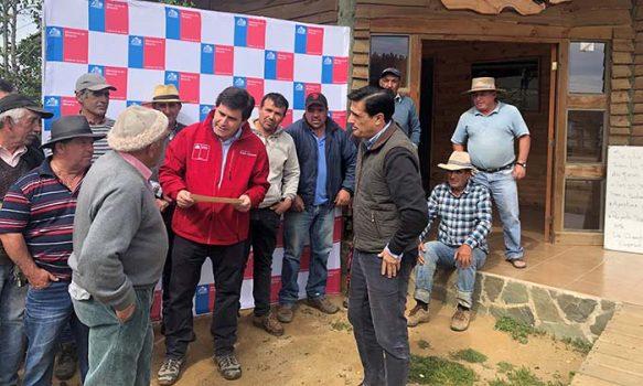 Subsecretario de Minería entrega más de $70 millones a salineros de la Región de O'Higgins