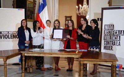Convenio con ONU Mujeres para prevenir violencia contra las mujeres en situaciones de crisis social