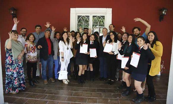 Estudiantes chilenas seleccionadas para intercambio en Japón se reúnen con autoridades UOH