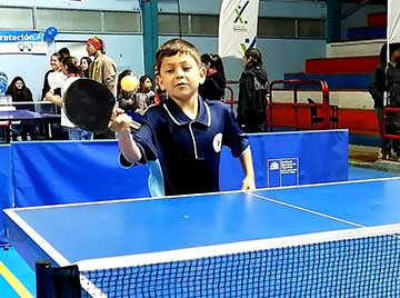 Masivo respaldo estudiantil a la práctica del tenis de mesa