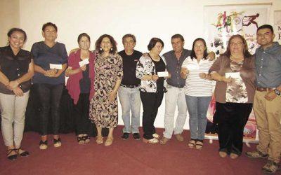 Alcaldesa de Palmilla entregó Fondeve y subvenciones a organizaciones sociales