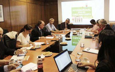 Jefa de carrera de Ingeniería Agronómica UOH participó en reunión con ministro de Agricultura