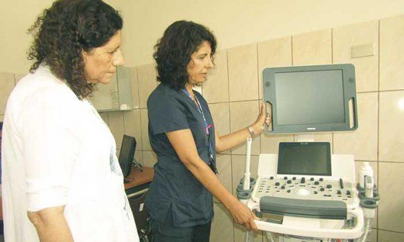 Alcaldesa de Palmilla gestiona implementación de modernos equipos para departamento de salud