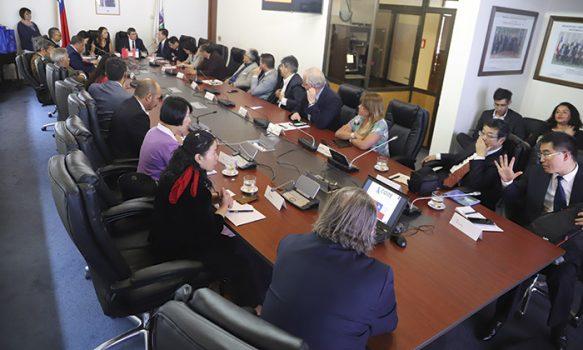 Cores se reúnen con delegación de la provincia China de Guizhou
