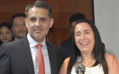 """Funcionaria del juzgado de letras del trabajo de Rancagua recibe premio """"Espíritu poder judicial de la jurisdicción 2019"""""""