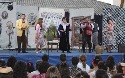 """""""Teatro al aire libre"""" de Agrosuper y la casa del arte continúa recorriendo la región"""