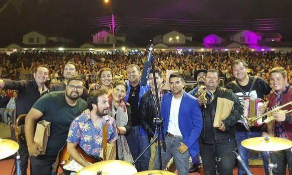 Con gran espectáculo musical se realizó gran Fiesta Palmillana 2020