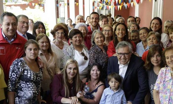 Ministra Cecilia Pérez encabeza diálogo ciudadano con doscientos adultos mayores en Rancagua