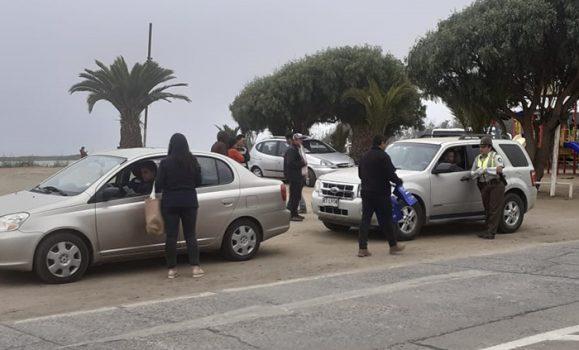Senda Previene Pichilemu, junto a Carabineros realizan controles preventivos a automovilistas que visitan el balneario
