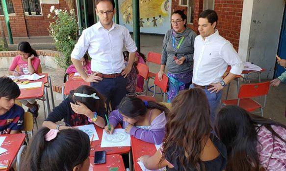 Seremi de Educación visita la escuela de verano del colegio Benjamín Vicuña Mackenna